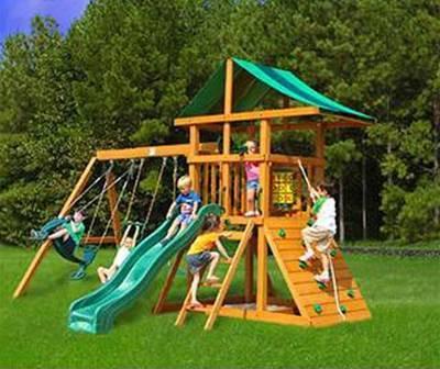 Первый, и самый простой способ создания детского городка, это приобрести компактную игровую площадку