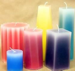 Как изготовить свечи своими руками со светлыми краями?