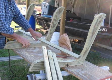 Как сделать скамейку качели своими руками